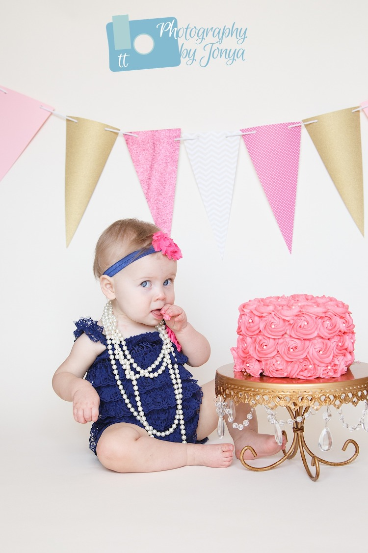 Cake Smash photography Holly Springs