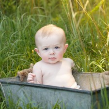 Outdoor baby photographer in Raleigh NC