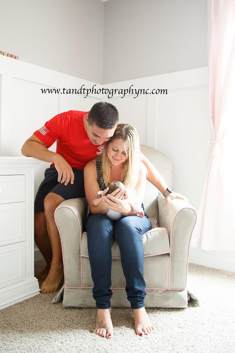 Raleigh family Photographer www.tandtphotographync.com