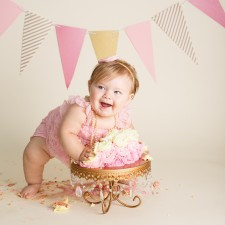 Cake smash for first birthday