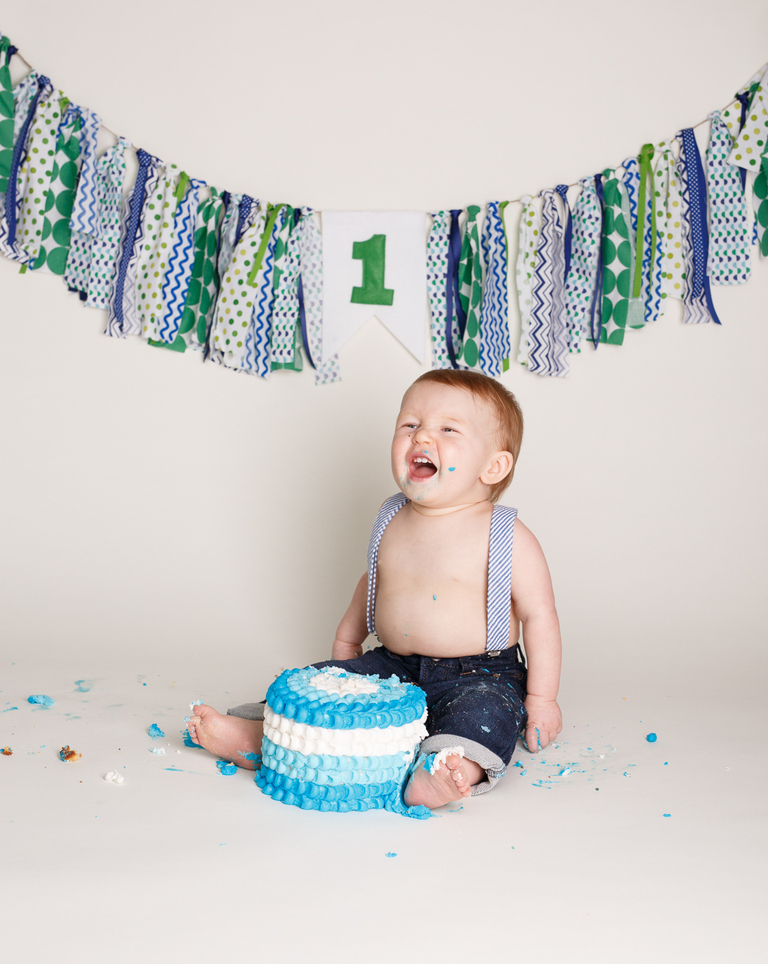 funny cake smash photo for boy