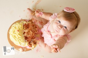 first birthday photography with cake smash