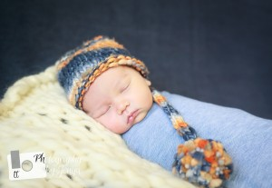 Family Photographer doing newborn photography in Raleigh NC