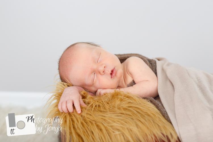 Newborn photography Holly Springs NC