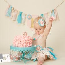 Cake smash for girl
