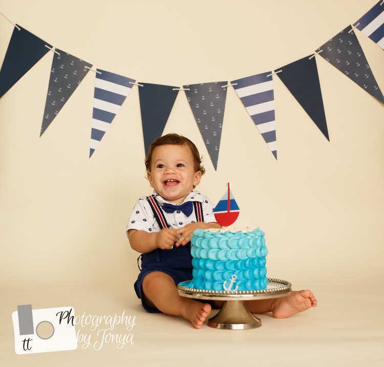 Affordable cake smash photographer Raleigh