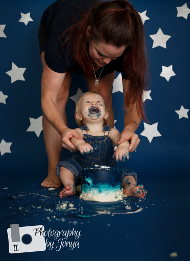 First birthday photography cake smash